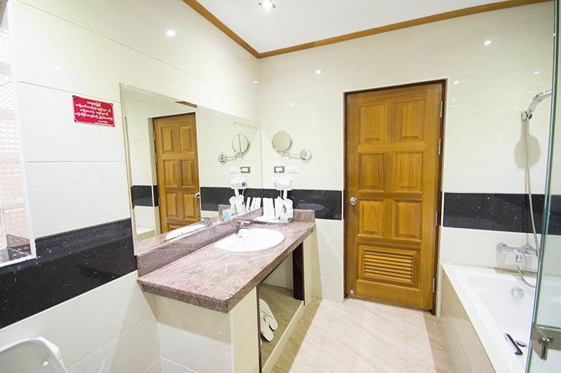 suite-room-09